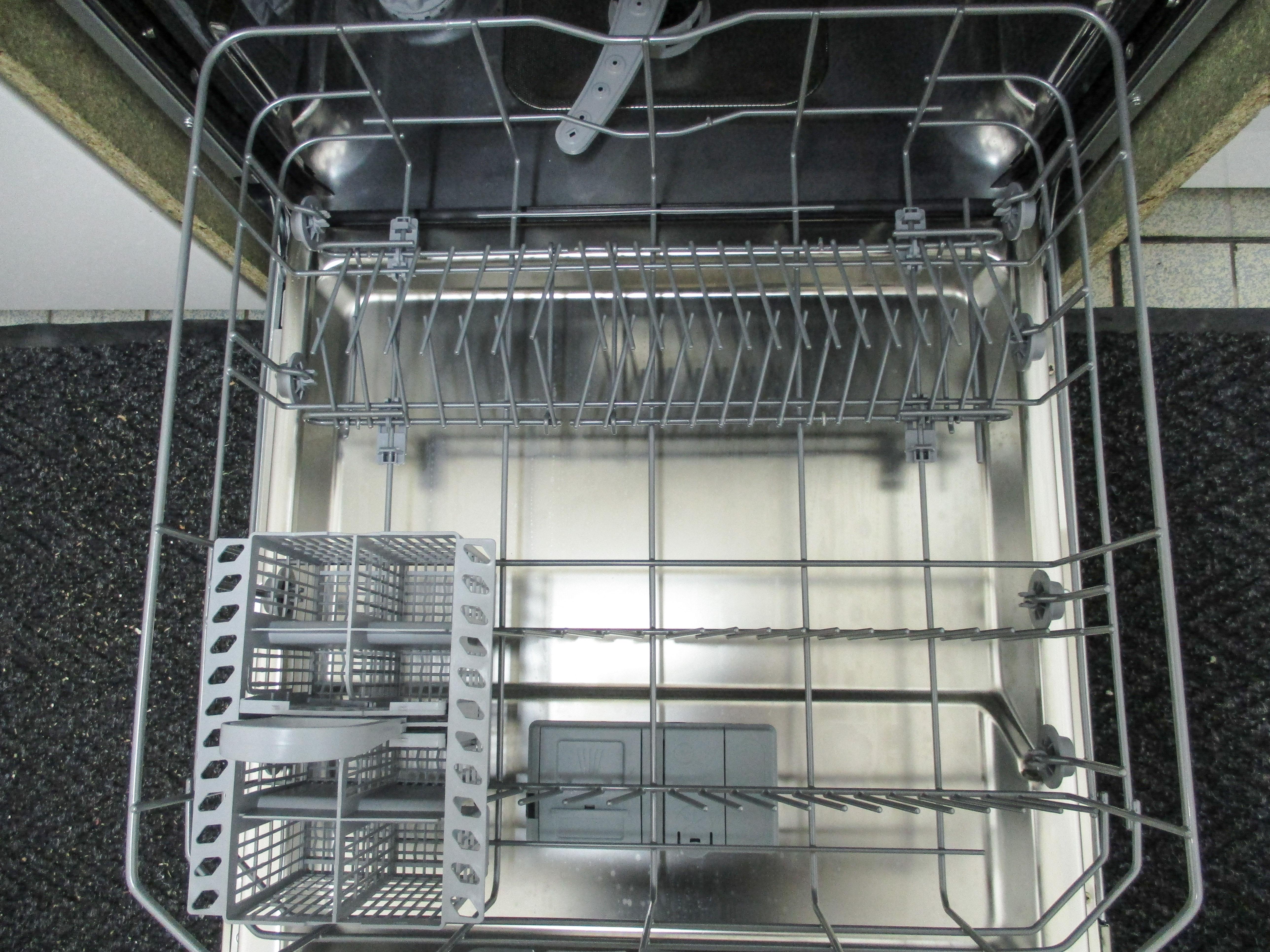 I dettagli del test sulla lavastoviglie HOTPOINT-ARISTON LTF11M1137L
