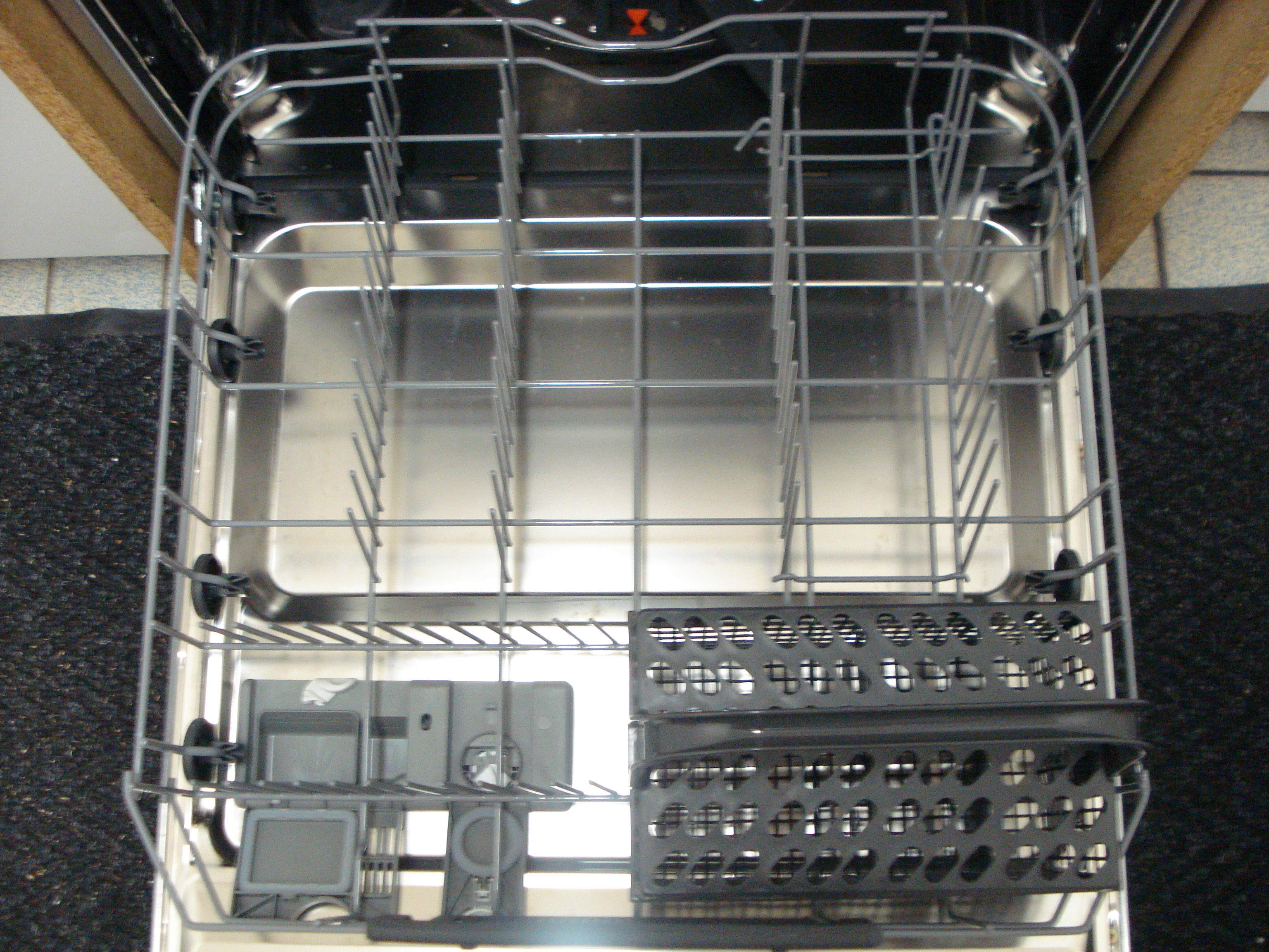 I dettagli del test sulla lavastoviglie AEG FSE53600Z