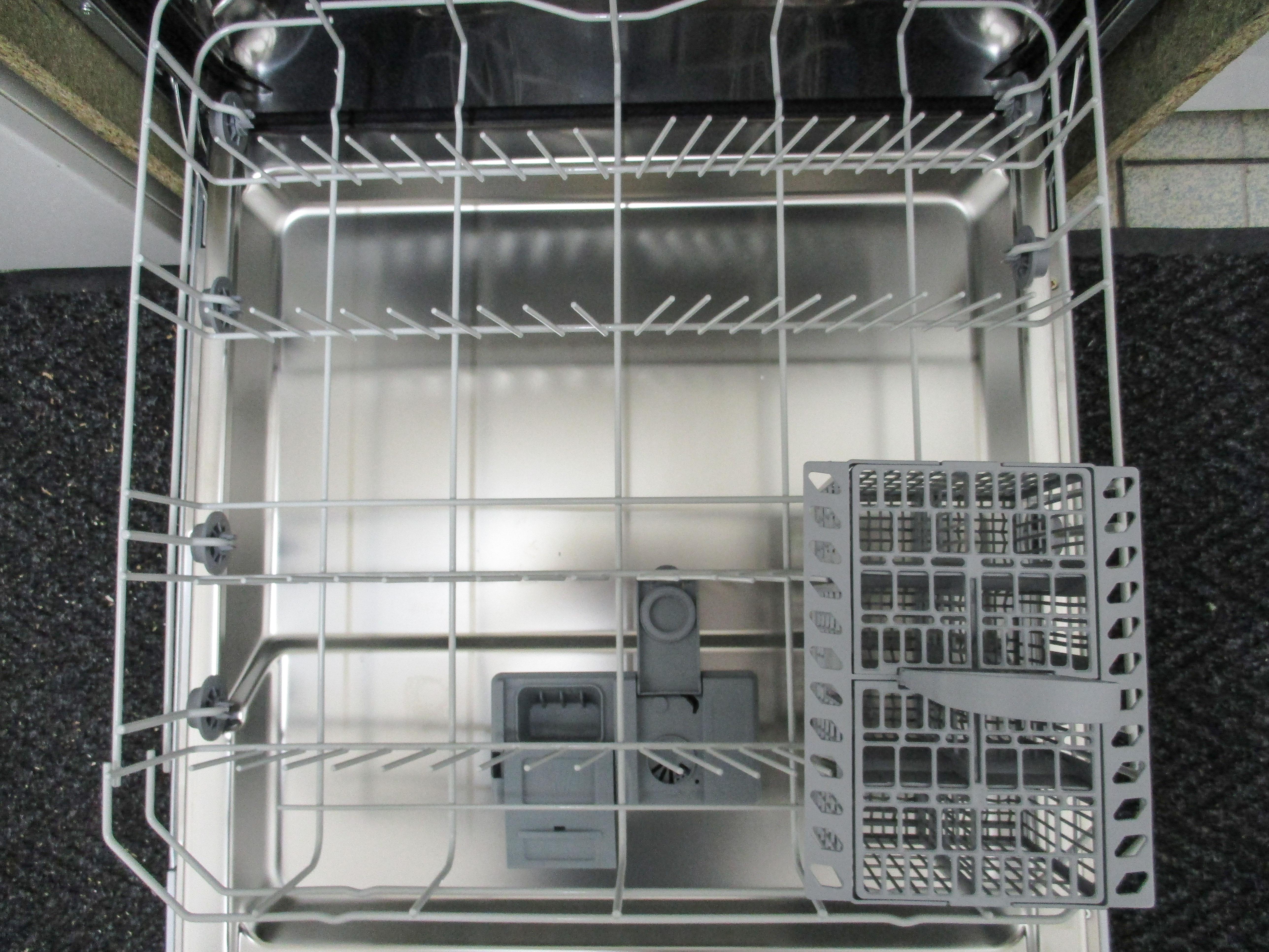 I dettagli del test sulla lavastoviglie ignis gie2b19 - Quiz sulla cucina ...